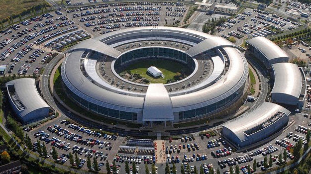 GCHQ boss Robert Hannigan resigns