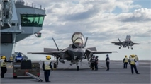 F-35 Lightning jets join with HMS Queen Elizabeth for first time